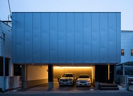 舞子坂のガレージハウス外観