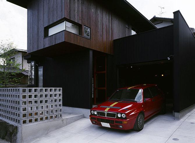 生駒のガレージハウス 外観ガレージ