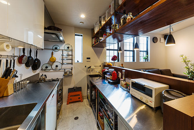 京田辺のガレージハウス キッチン