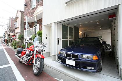 武蔵小山の狭小ガレージハウス・東京 ガレージ