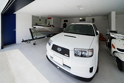 法隆寺のガレージハウス・奈良 ガレージ内