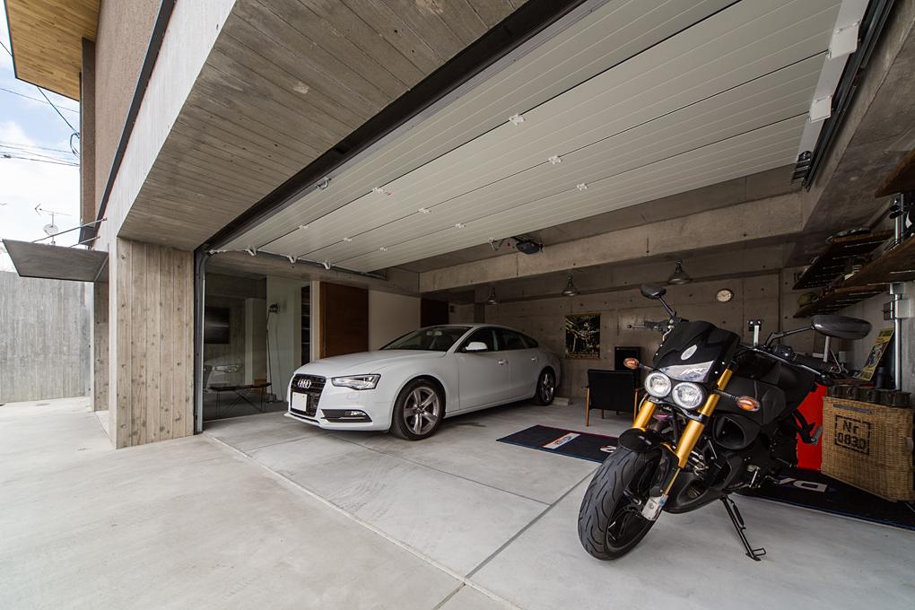 石切のガレージハウス ガレージ部分