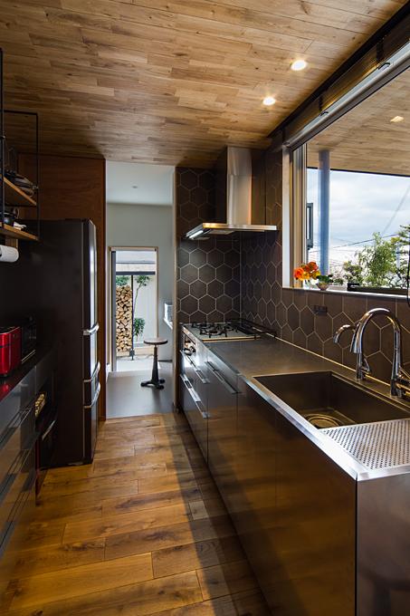 石切のガレージハウス キッチン