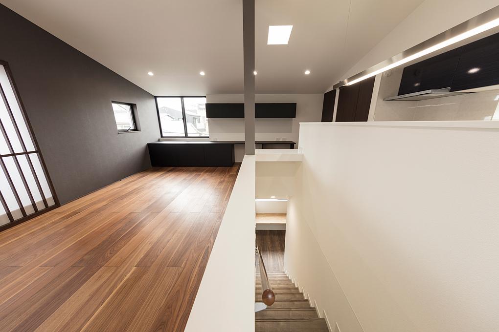 神楽坂のガレージハウス 3F階段