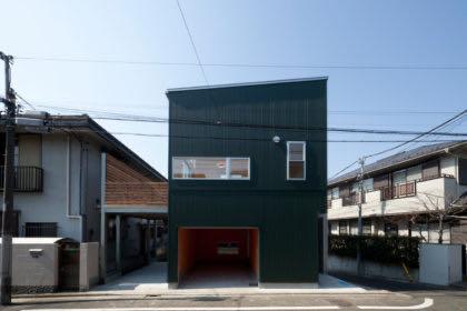 上池台のガレージハウス