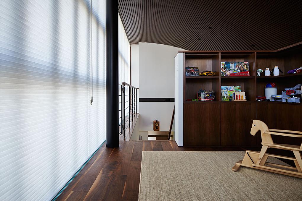大阪のガレージハウス2 個室