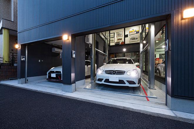 神奈川のガレージハウス ガレージ部分を見る
