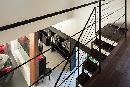 和歌山のガレージハウス 階段