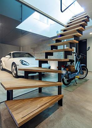 豊中のガレージハウス 階段