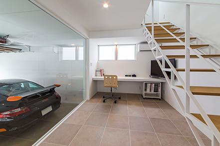 垂水のガレージハウス 階段