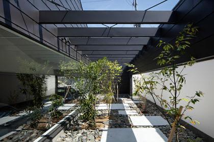 大阪狭山のガレージハウス中庭