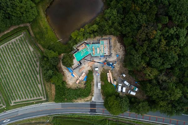丹波篠山のバイクガレージハウス工事中ドローンによる空撮写真